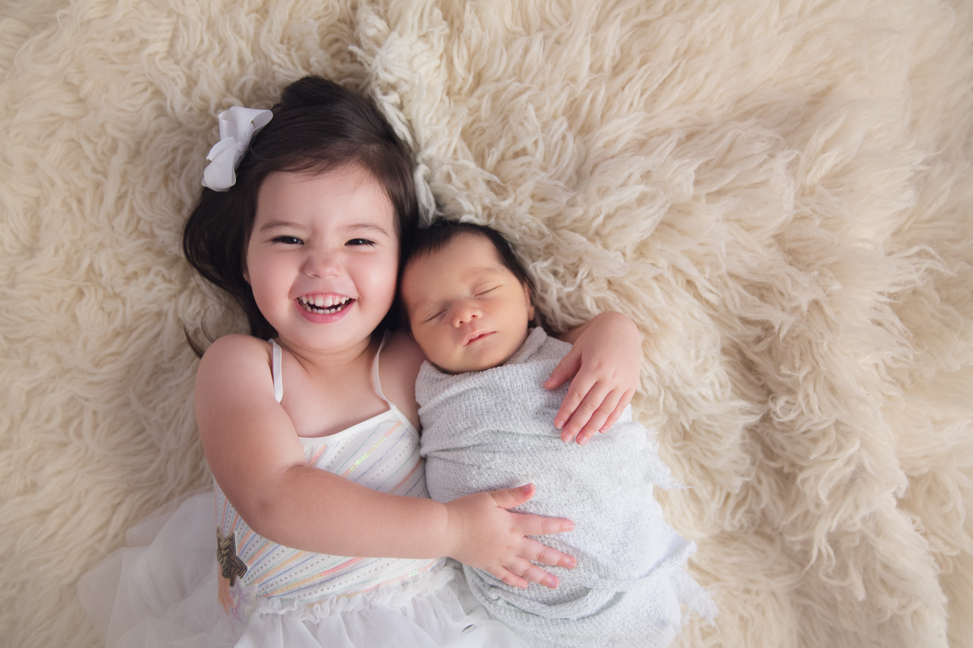 Sibling-Newborn Photography- Natural- Studio